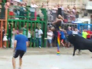 Cogida de toro en Burriana