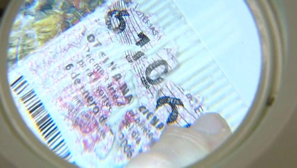 Los consejos para que un décimo de Lotería de Navidad premiado no acabe en pesadilla por no poder cobrarlo