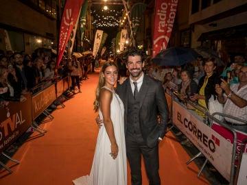 Alejandra Onieva y Miguel Ángel Muñoz en la premiere de 'Presunto Culpable' en el FesTVal de Vitoria