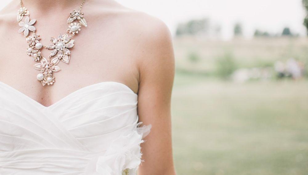 Imagen de archivo de un vestido de novia