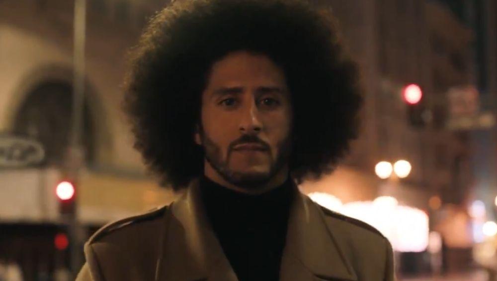 Kaepernick, durante el anuncio