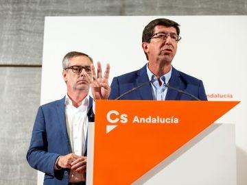 El secretario general de Ciudadanos, José Manuel Villegas, y el presidente y portavoz del partido en el Parlamento andaluz, Juan Marín