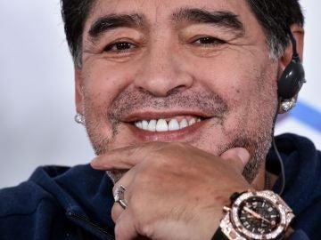 Diego Maradona en rueda de prensa