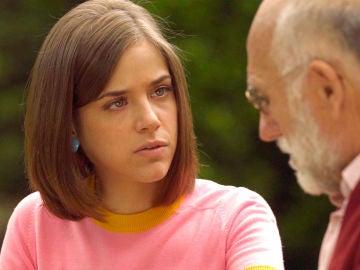 Laura descubre la verdad de Ortega al conocer a su abuelo