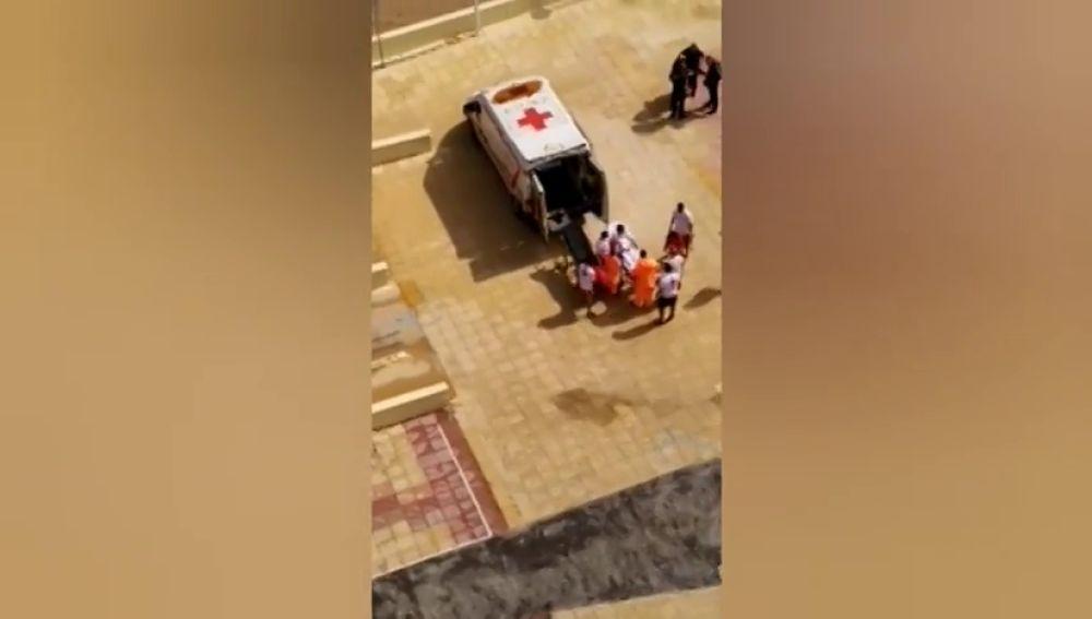 Dos heridos por la caída de un rayo en la playa de Bellreguard (Valencia)