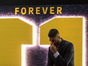 Juan Carlos Navarro, emocionado en su despedida con el Barcelona
