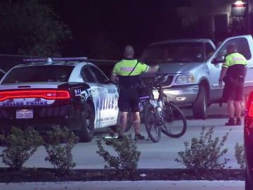 Un Policía dispara a una persona al confundirse de vivienda en Texas
