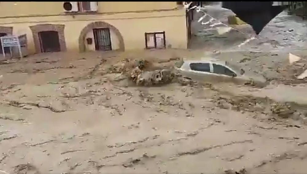 Impresionante riada en Cebolla, Toledo, tras el desbordamiento de un arroyo