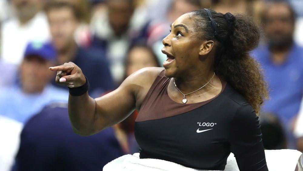 Serena Williams, enfadada con el árbitro