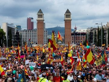 Manifestación por la unidad de España en Plaza de España en Barcelona