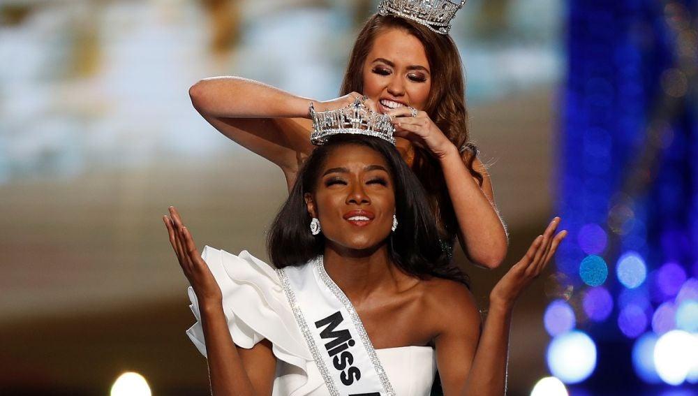 Miss Nueva York, Nia Imani Franklin, tras ser proclamada 'Miss América'