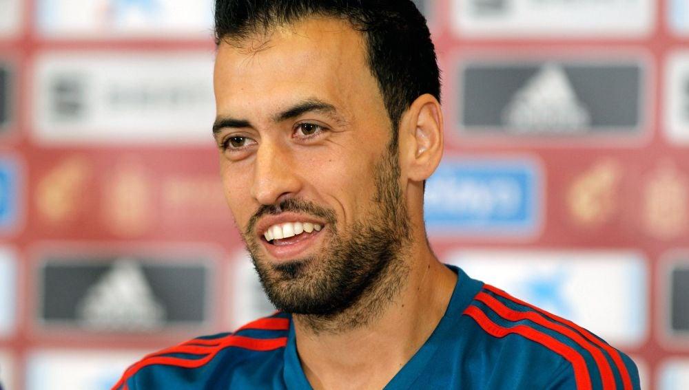 Sergio Busquets, en una rueda de prensa con la Selección