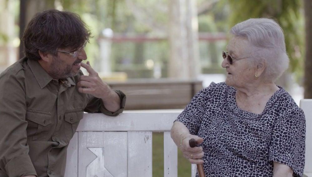 La entrañable entrevista de Jordi Évole a la protagonista de 'Hasta los 100 y más allá'