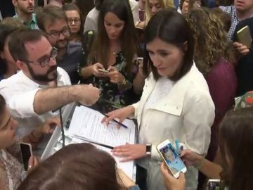 Cautela en el PP ante el máster de Montón mientras Ciudadanos y Podemos se muestran más críticos