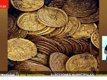 Descubren 300 monedas del siglo V en un teatro de la ciudad de Como (Italia)