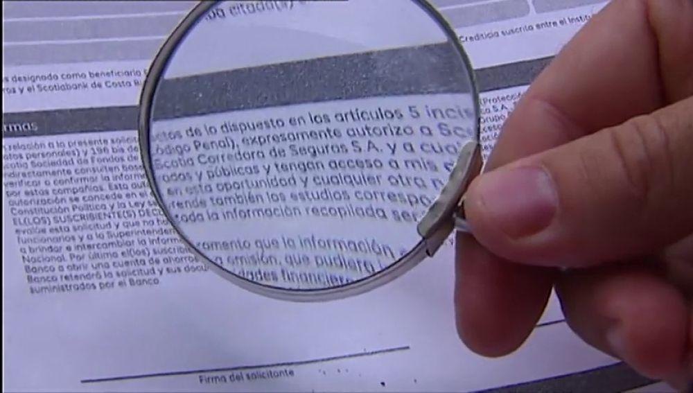 Anulan una deuda bancaria porque la letra del contrato era tan pequeña que no se podía leer