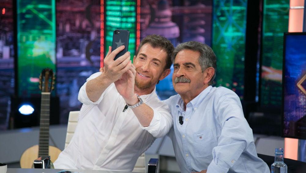 """Pablo Motos reta a Miguel Ángel Revilla en 'El Hormiguero 3.0': """"¿Quién conseguirá más seguidores en Instagram?"""""""