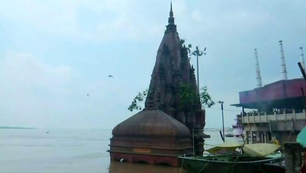 Grandes inundaciones en Varanasi, en la India