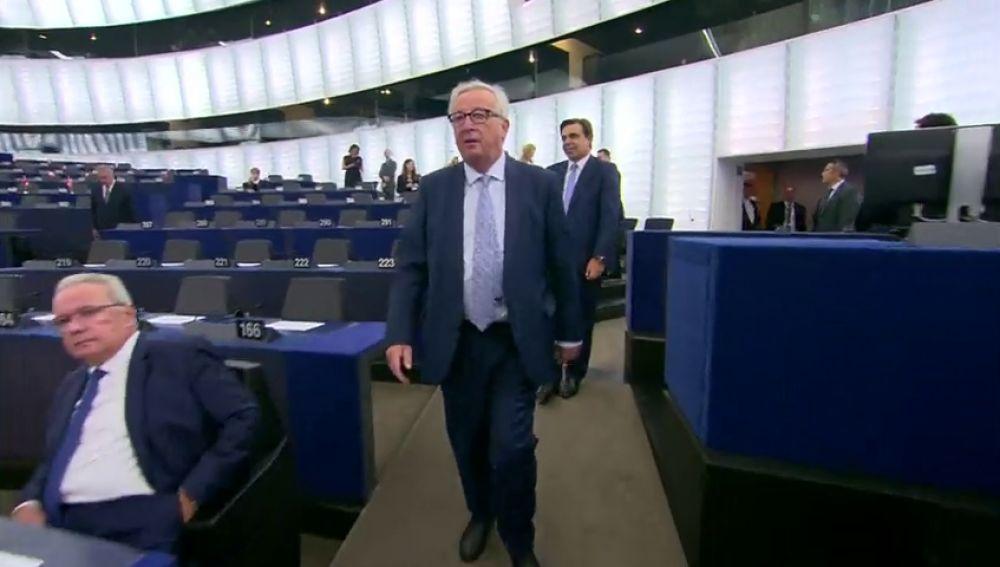 Así fue la llegada de Juncker al Parlamento Europeo