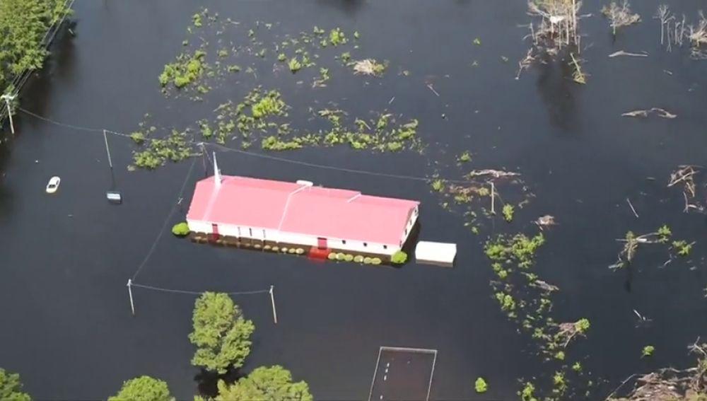 La tormenta 'Florence' deja 31 muertos en Estados Unidos; el tifón ' Mangkhut', 74 en Filipinas