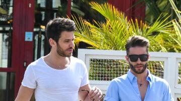 Pelayo Díaz y su novio Andy Mc Dougall