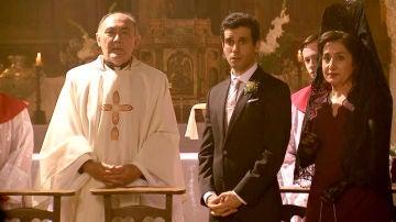 Ignacio, embobado al ver a María vestida de novia
