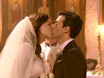 María e Ignacio sellan con un beso su nueva vida de casados