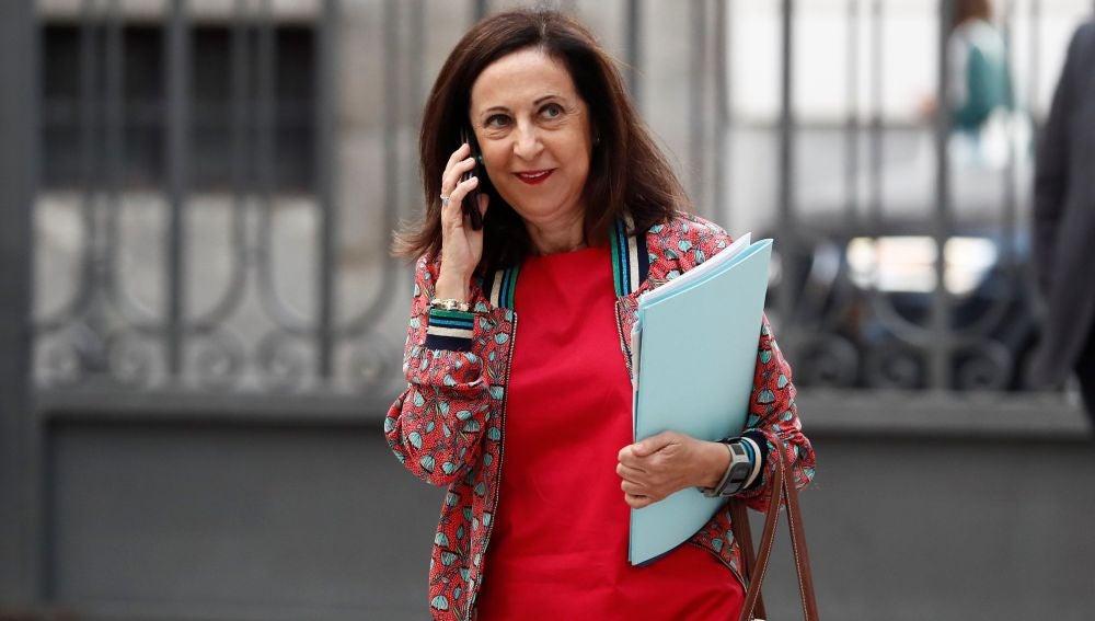 La ministra de Defensa, Margarita Robles, a su llegada al Congreso para asistir a la sesión de control al Gobierno.