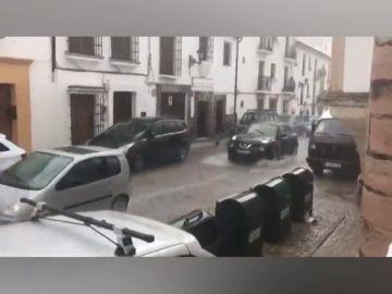 Vuelve a llover en Ronda dejando grandes riadas