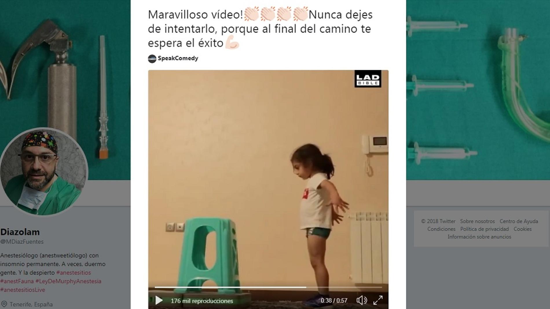 Este niño inspira a los usuarios por su capacidad de superación
