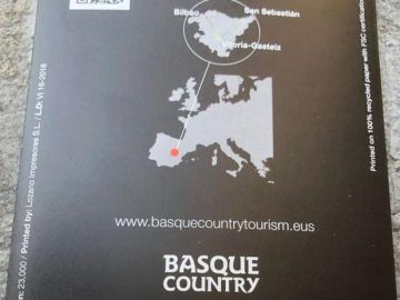 Folleto de Turismo de Euskadi con la región ubicada en Castilla-La Mancha