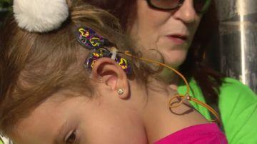 Familias de niños con sordera piden en el Congreso ayudas para implantes cocleares