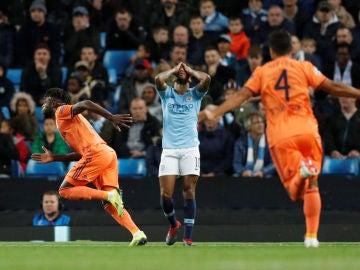 Maxwel Cornet celebra su gol ante el City