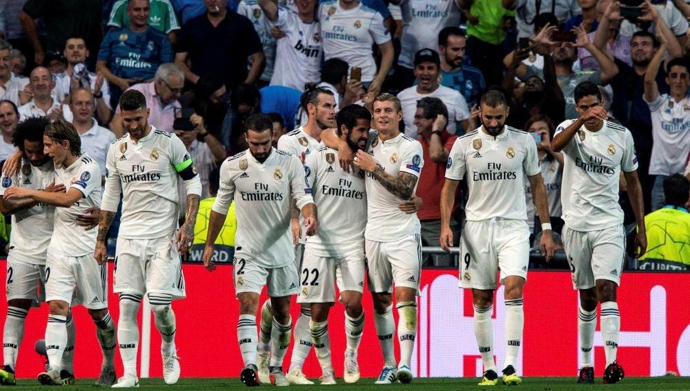 Los jugadores del Real Madrid celebran un gol ante la Roma