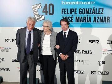 Felipe González y José María Aznar, juntos en un debate y recordando anécdotas de La Moncloa
