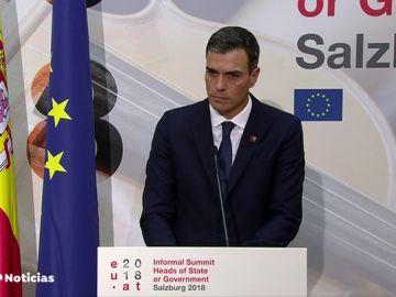Sánchez confirma en Salzburgo que accede a comparecer en el Senado por su tesis doctoral