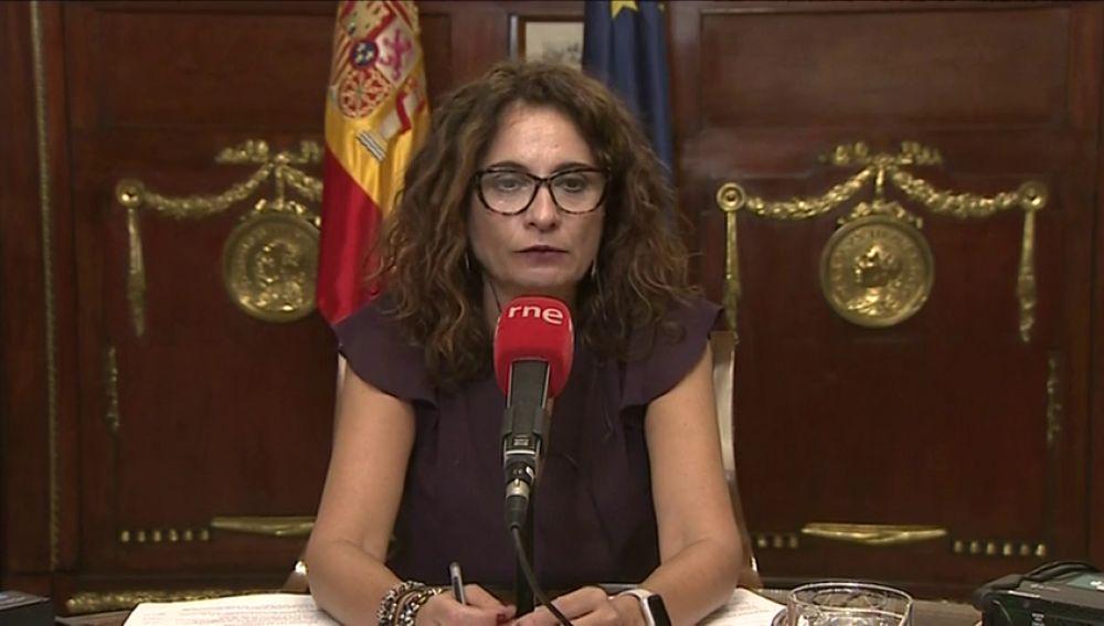 Montero confirma que estudia rebajar la fiscalidad de las pymes que facturan hasta un millón de euros