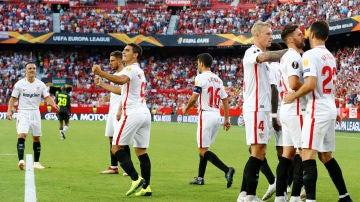 Ben Yedder celebra uno de sus dos goles ante el Standard de Lieja