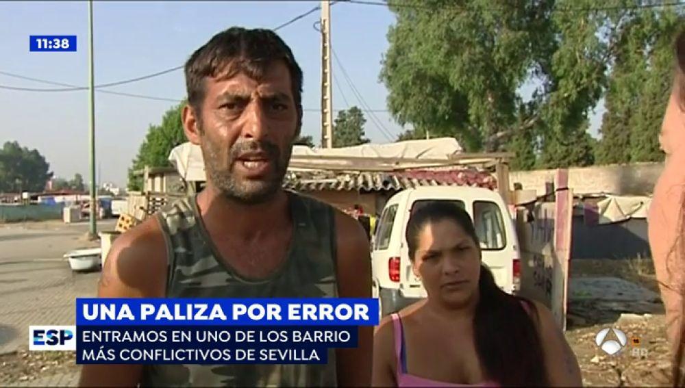 """Entramos en uno de los barrios más conflictivos de Sevilla donde han dado una paliza de muerte a un joven por error: """"Si queréis guerra la vais a tener"""