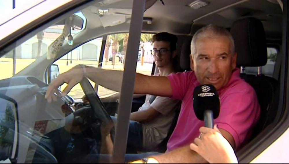 Los estudiantes de Sevilla acuden a clase en taxis compartidos