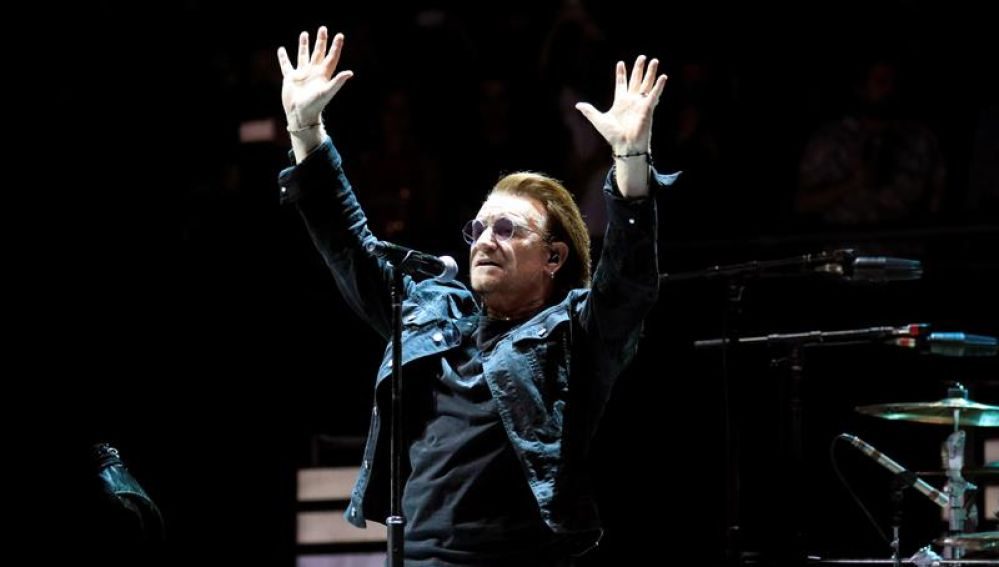 El cantante de la banda irlandesa 'U2', Bono