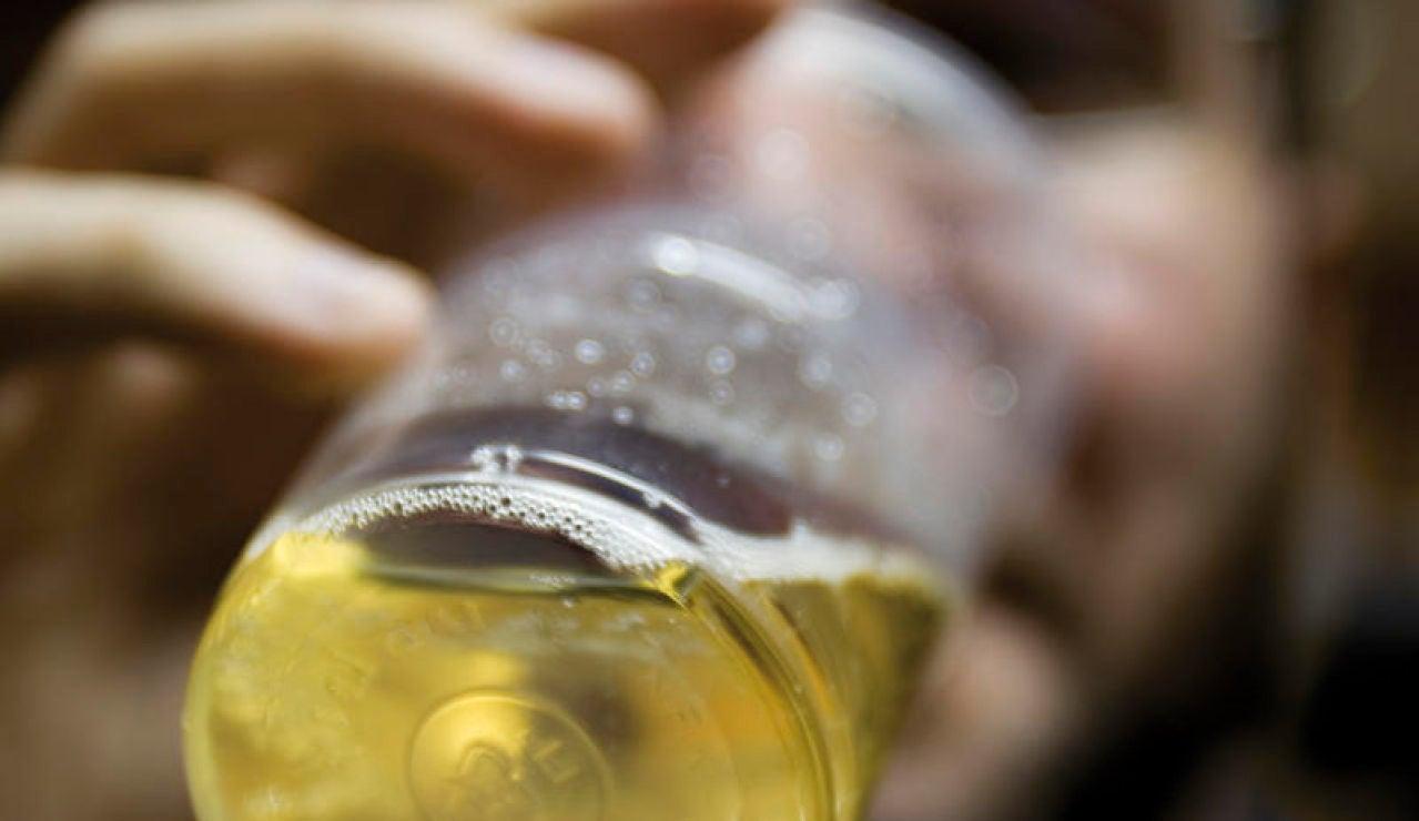 El alcohol mata a mas de tres millones de personas al ano la mayoria hombres