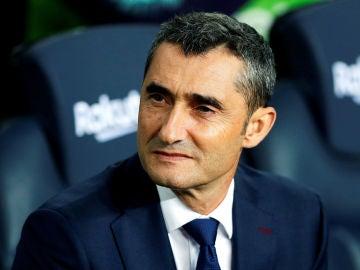 Ernesto Valverde, en el banquillo del Barcelona