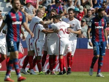El Sevilla celebra un gol ante el Levante