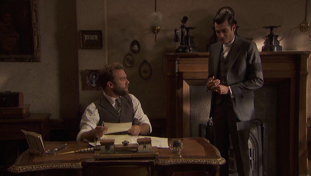 Fernando amenaza a Prudencio para que guarde silencio sobre los encargos que le está haciendo