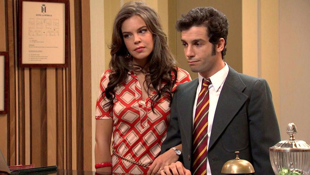 Ignacio sorprende a María para tener un poco de intimidad