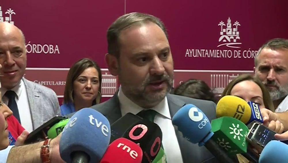 """Ábalos critica que Pastor haya dado un paso """"inaudito"""" en la democracia: """"Es muy atrevido porque la Mesa solo puede entrar en cuestiones técnicas"""""""