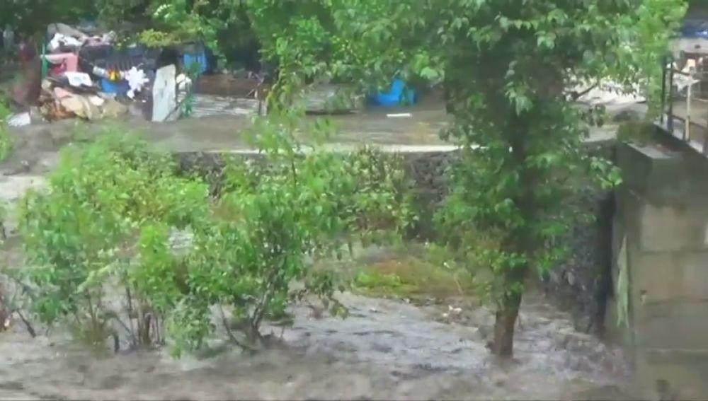 Al menos 25 personas atrapadas por las lluvias monzónicas en la India
