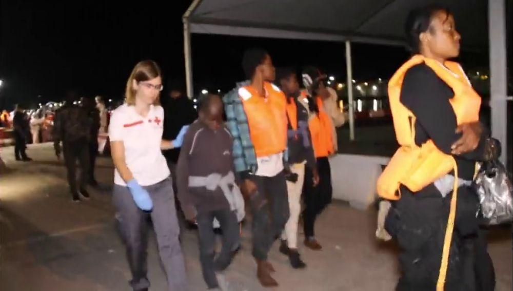 Salvamento Marítimo ha rescatado 151 inmigrantes de tres pateras cerca de Motril