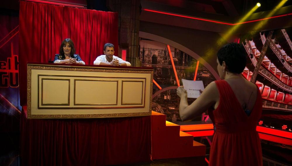 Pablo Motos juega con Carmen Maura a adivinar qué canta la soprano Amanda Serna